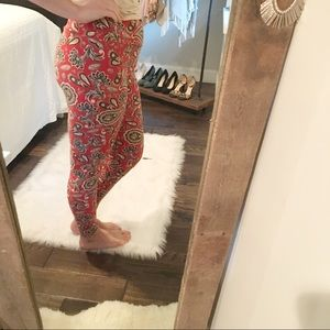 LulaRoe tall & curvy paisley floral soft leggings